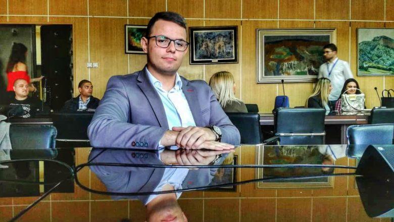 """Pregovori: """"Neveštom i nestručnom srpskom diplomatijom veoma je teško rešiti kosovski problem"""""""