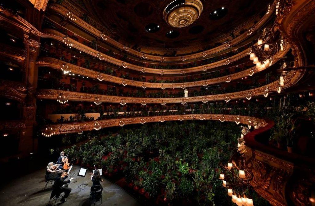 Opera u Barseloni ponovo radi: Biljke prvi posetioci