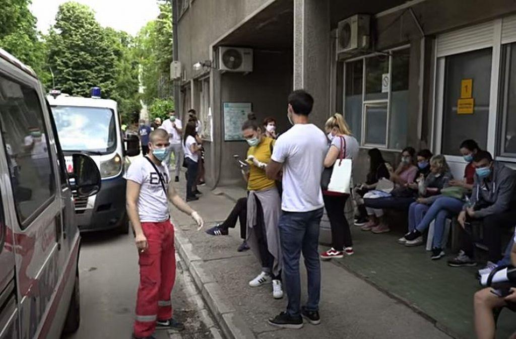 Vučić najavio uvođenje strožih mera za Beograd: Zatvaranje studentskih domova, maske obavezne