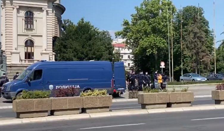 Protest u Beogradu: Policija u punoj opremi za razbijanje demonstracija