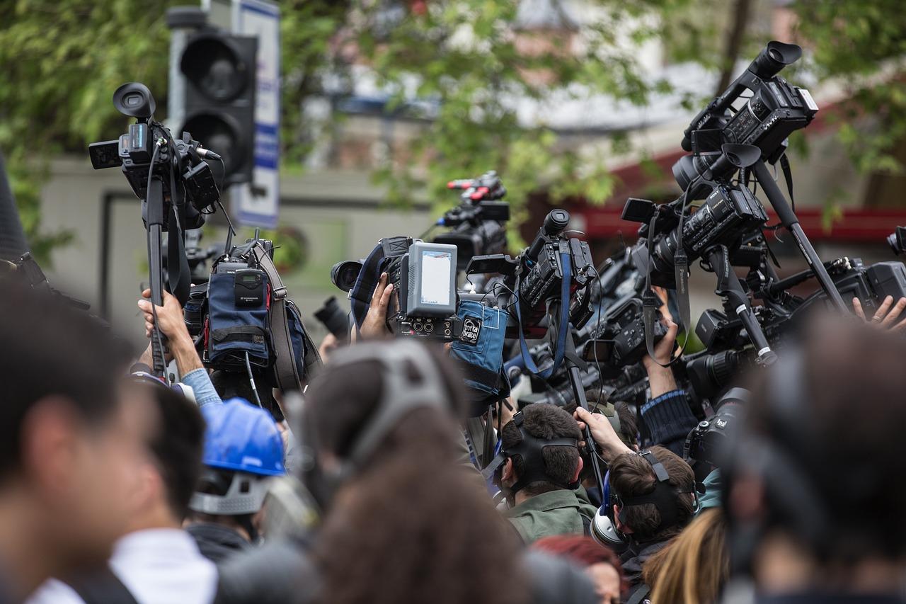 Nastavljaju se napadi na novinare u Srbiji