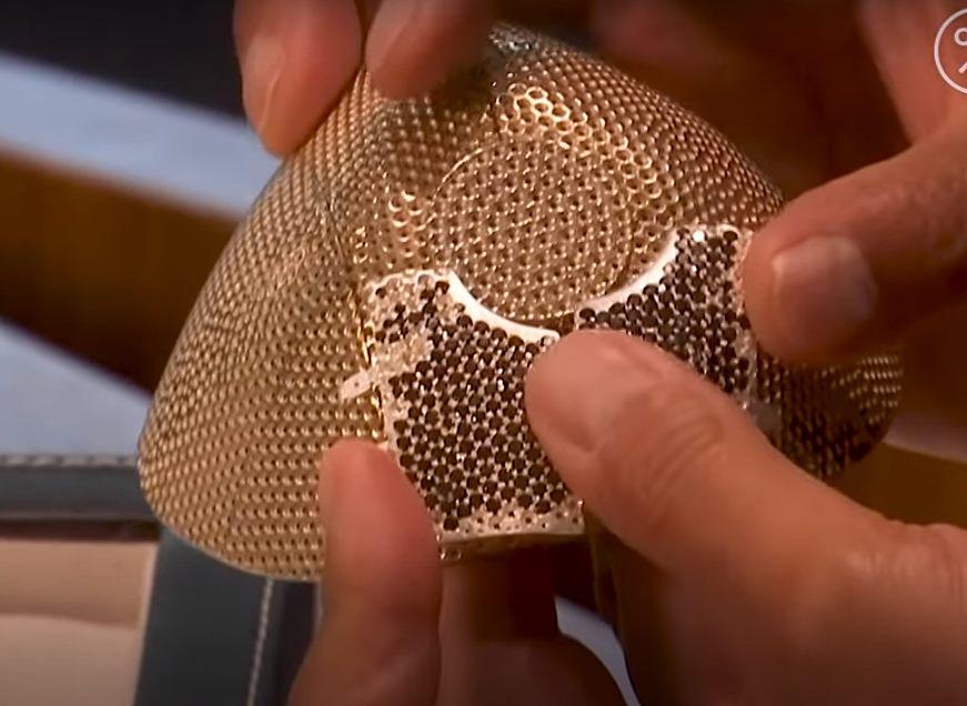 Samo za milionera: Maska od dijamanata i zlata protiv korone (VIDEO)