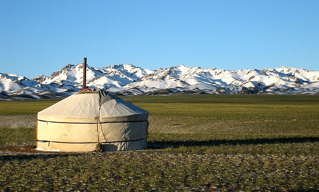 Mongolija zemlja nomada i najsevernije pustinje na planeti