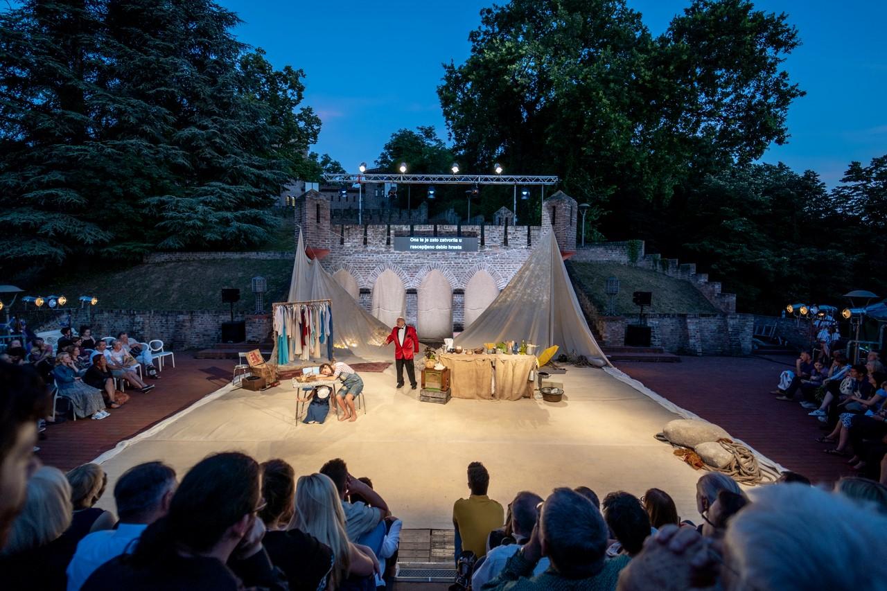 Šekspir festival u Čortanovcima: Radost, vedrina i neophodna doza smeha