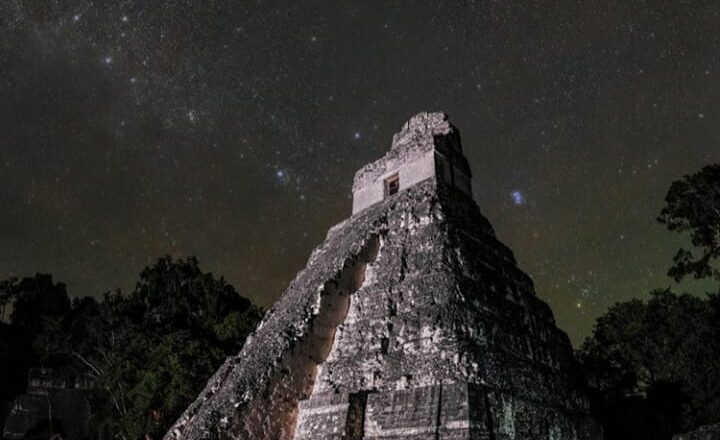 Gvatemala zemlja Maja i zelenih papagaja