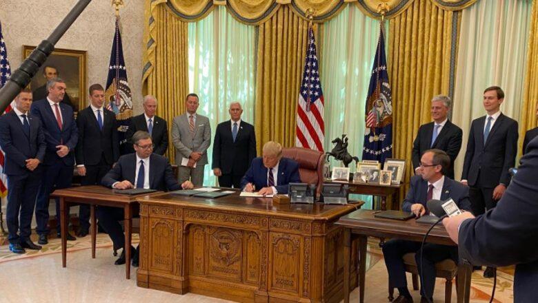 Vučić i Hoti potpisali sporazum u Beloj kući, prisustvovao Tramp
