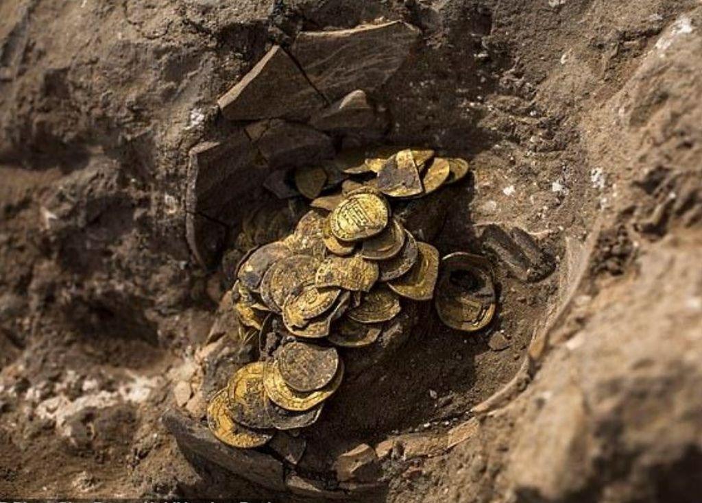 Otkriće izraelskih tinejdžera: Pronašli ćup sa stotinu zlatnika