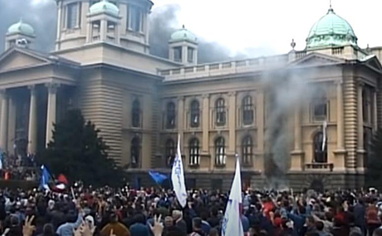 5. oktobar 20 godina kasnije: Demokratija na velikom ispitu, put ka EU usporen