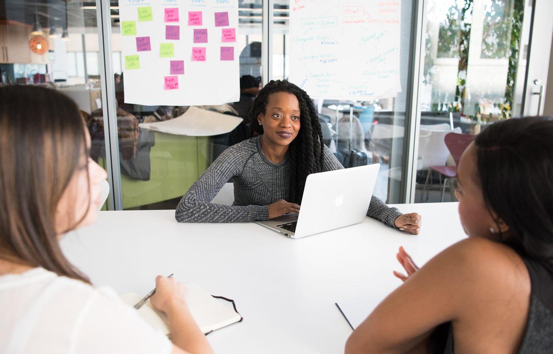 Istraživanje: Žene čine manje od polovine zaposlenih u svetu