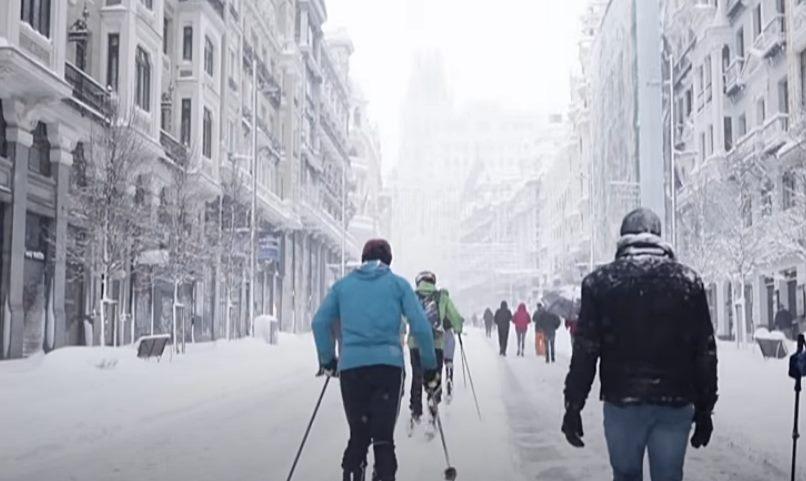 Zimska bajka u Madridu: Sneg, radost, kolaps…