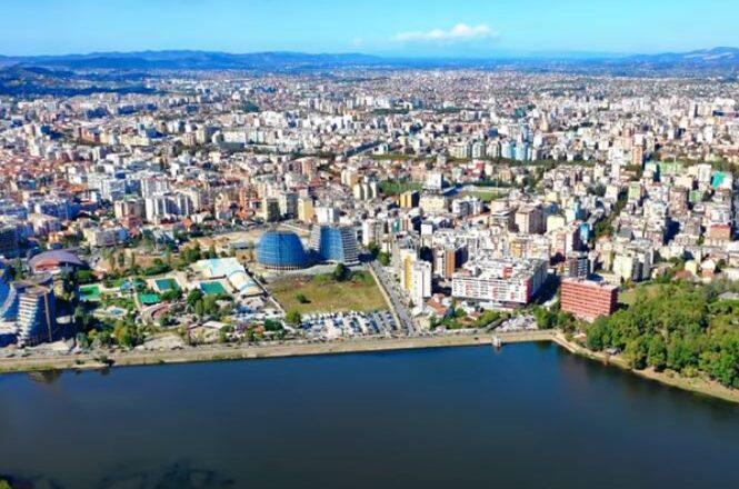 Brisel pohvalio Albaniju zbog odlučnih reformi