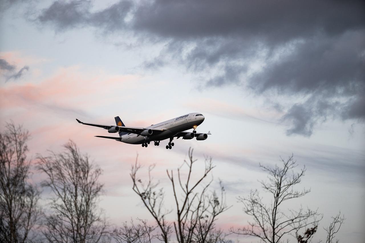 Francuska ukida kratke letove, voz menja avion